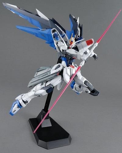 Gundam ZGMF-X10a Freedom Gundam MG 1/100 Scale